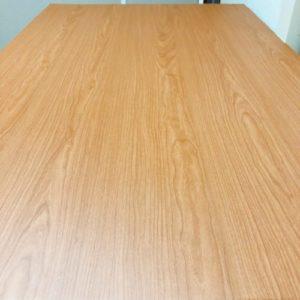 スッキリしたダイニングテーブル